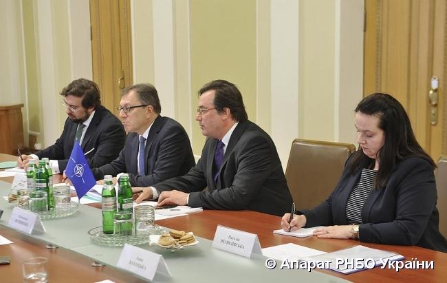 НАТО: Поки Росія порушує міжнародне право – співпраці не буде