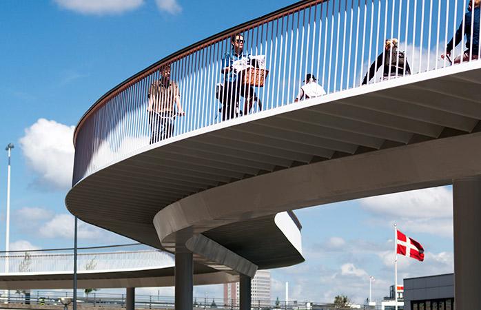 Копенгагенская велоэстакада Cykelslangen. Фото: momondo.ru