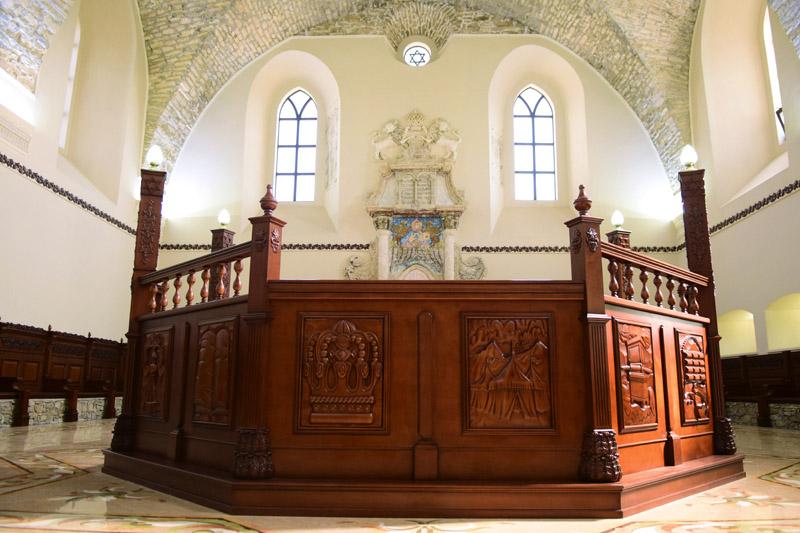 Інтер'єр місцевої синагоги, смт Сатанів, Хмельницька область, 16 вересня 2016 року.