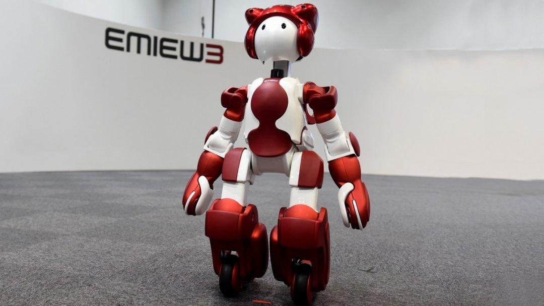 Роботи‑гіди з'явилися в аеропорту Токіо