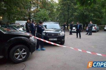 У Солом'янському районі прямо в під'їзді застрелили чоловіка