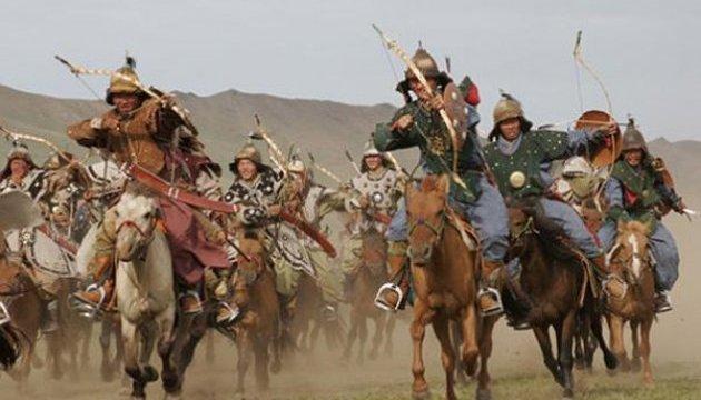У замку на Тернопільщині лицарі відтворюють події 340-річної давності