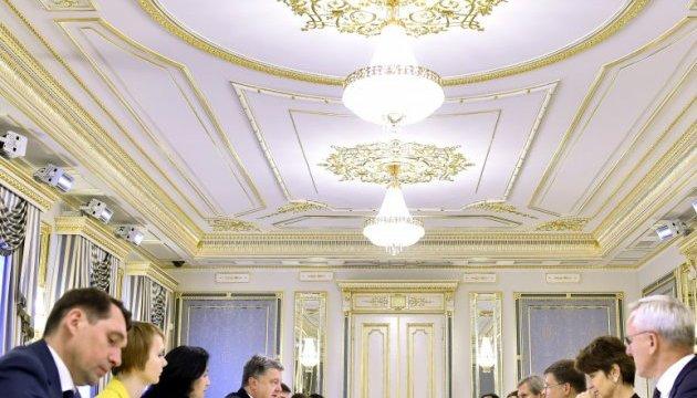 Порошенко закликав ЄС прискорити прийняття рішення щодо безвізу