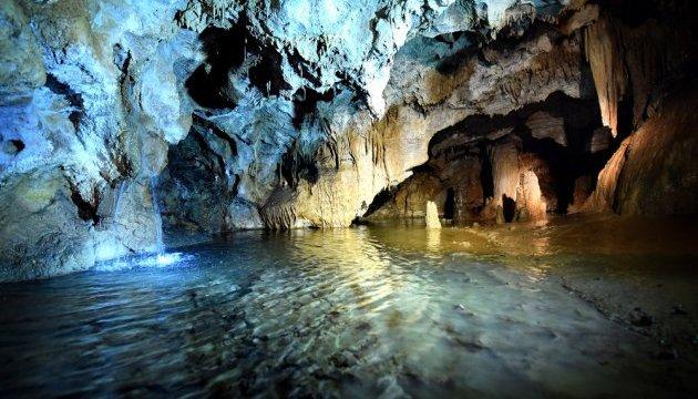 У Чорногорії знайшли 70 морських печер