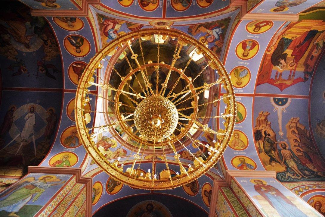 Усередині Канівського Успенського соборі