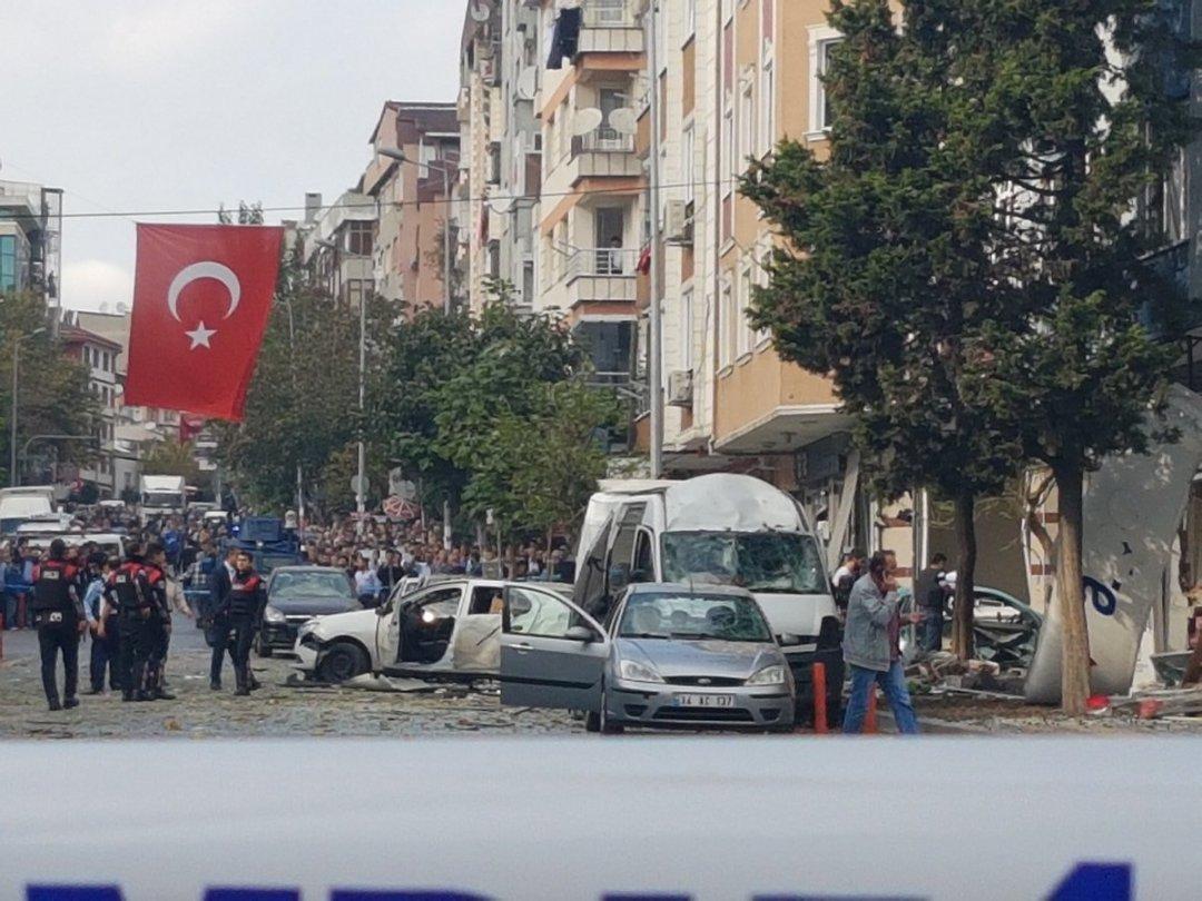 УСтамбулі біля поліцейської дільниці стався теракт