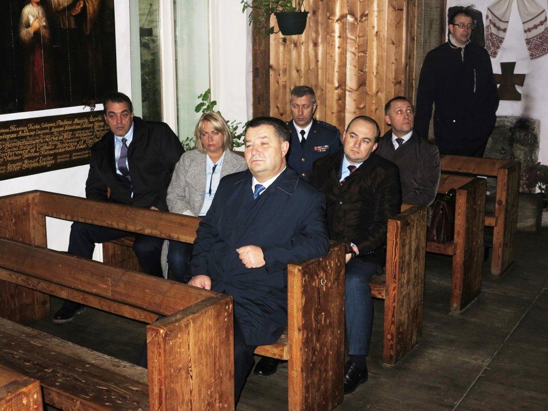 Українська делегація в Храмі Богородиці Троєручиці