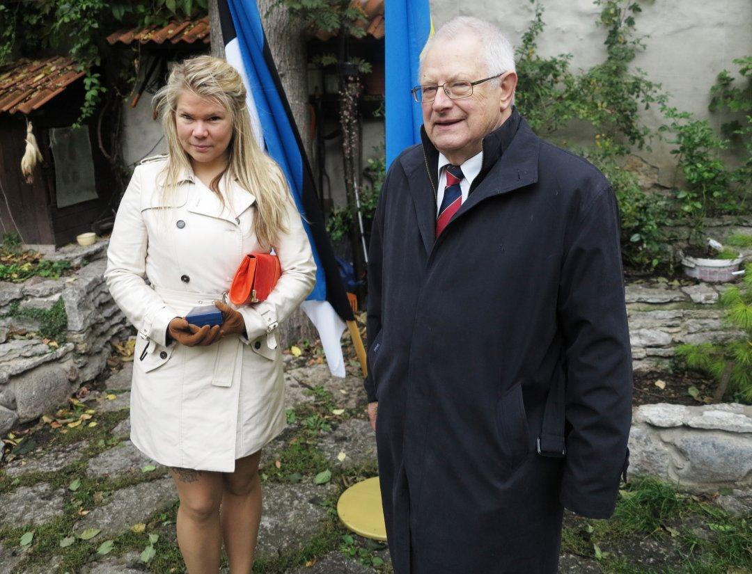 """Співробітники Таллінського оздоровчого центру """"Селі"""" з українськими нагородами"""