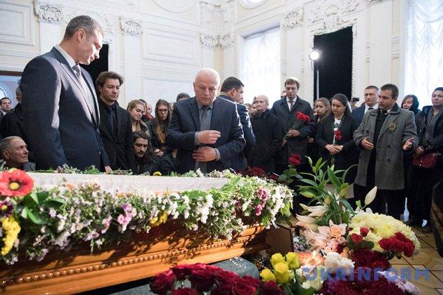 Втеатре Франко прощаются сМавкой— Оксаной Батько-Нищук