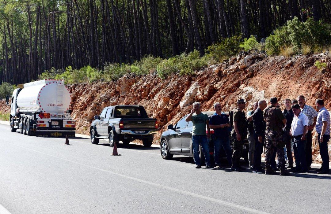 ВТурции подороге между Антальей иКемером нанесли ракетный удар