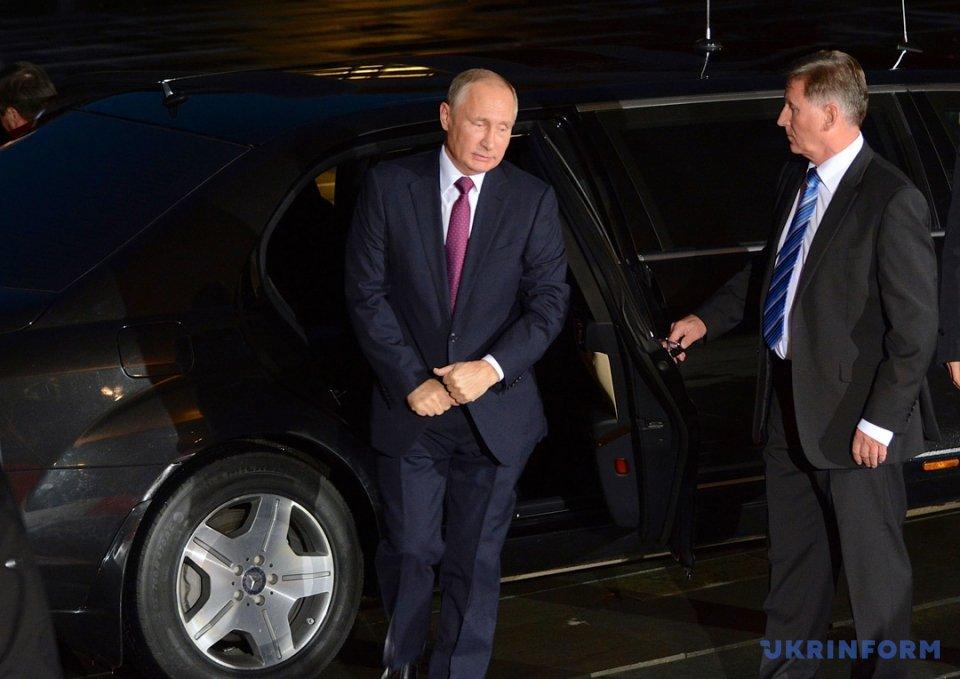 Оптимизм Порошенко, Путин с пивом и берлинские надежды на мир в Донбассе, фото-4