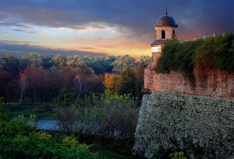 Фортеця в місті Дубно Рівненської області. Визначна пам'ятка історії, культури та архітектури України