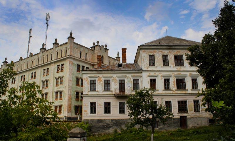 Ягі́льницький за́мок (також За́мок Лянцкоро́нських) — пам'ятка архітектури національного значення. Міститься в селі Нагірянка Чортківського району Тернопільської області.