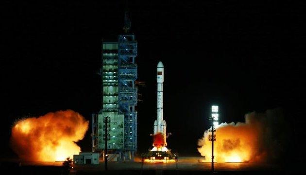 Китай запустил пилотируемый космический корабль