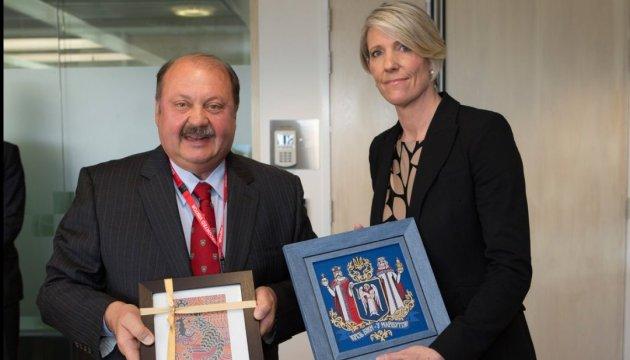 Посол України в Австралії зустрівся із співробітниками поліції, які розслідують «справу МН17»