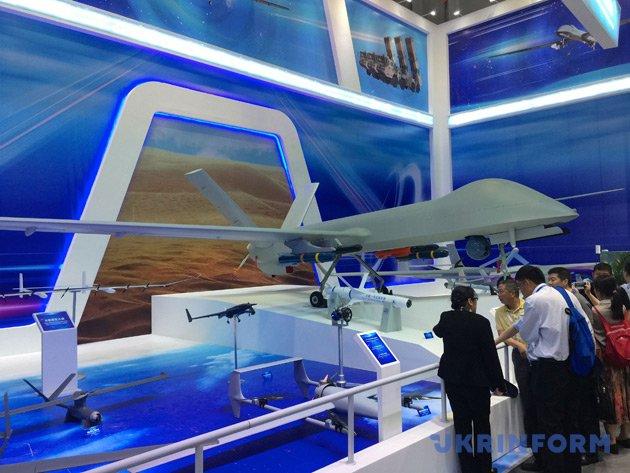 Україна представляє власну продукцію на Міжнародному авіакосмічному салоні - фото 2