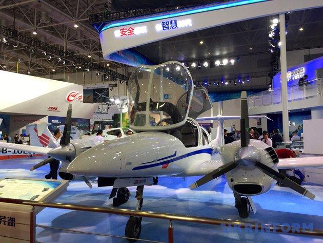 Україна представляє власну продукцію на Міжнародному авіакосмічному салоні - фото 6