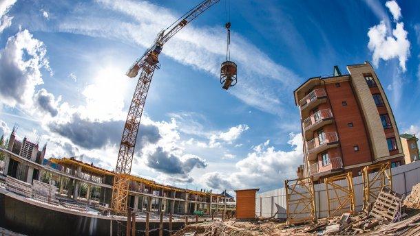 На фото: незаконне будівництво багатоповерхівки на Позняках замість якої до 2017 року планують збудують дитсадок
