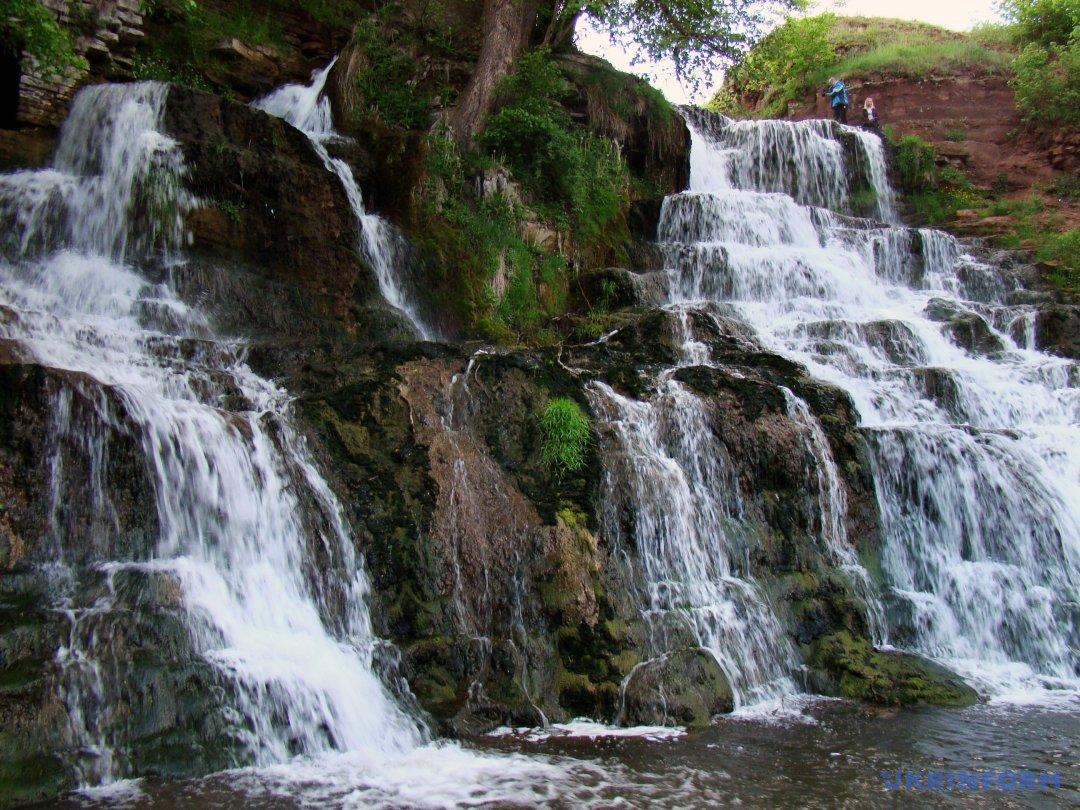 Джурський водоспад