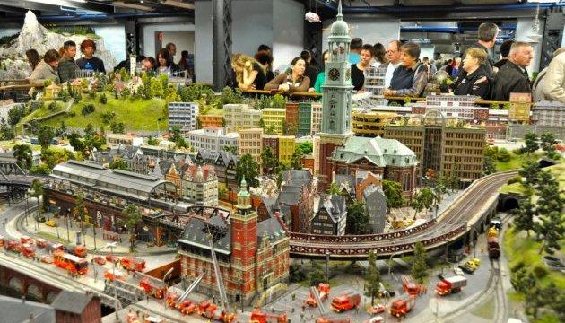 Картинки по запросу Гамбург со своим парком миниатюр