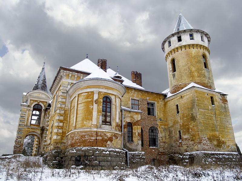 Палац-Cадиба Реїв, Приозерне
