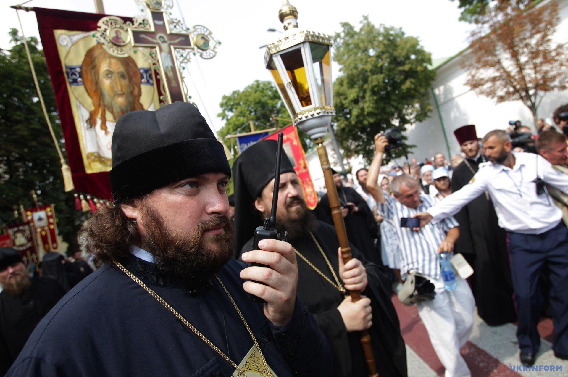 право на служби на території Софії Київської в колисці Російської церкви на початку 2016 року отримав саме Київський патріархат