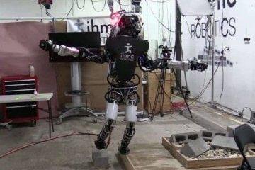 Робот-рятувальник Atlas навчився ходити по руїнах