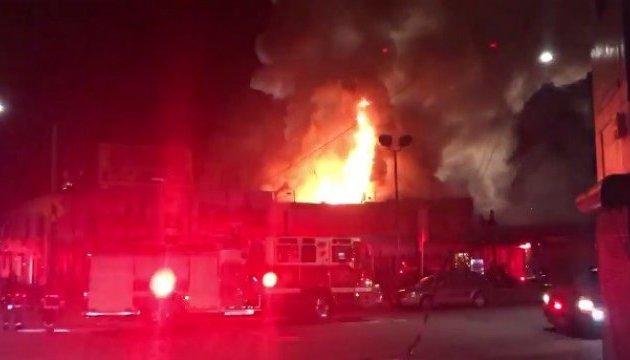Число жертв пожара вночном клубе вОкленде возросло до30