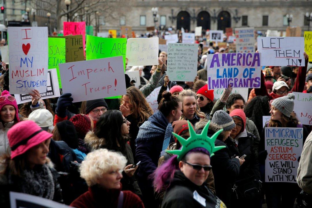 Протести в Бостоні через антимігрантський указ Трампа // Фото: Business Insider