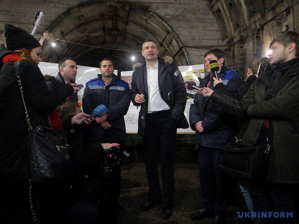 Кличко пообещал кконцу года начать бурить метро наВиноградарь