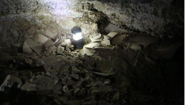 Археологи знайшли печеру, де зберігались стародавні манускрипти Мертвого моря