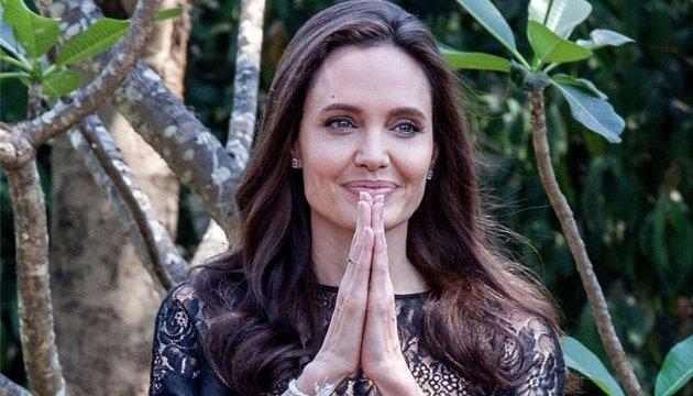 Анджеліна Джолі: Камбоджа змінила моє життя
