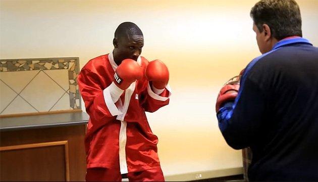 Нокаут у першій напівсередній вазі призвів до смерті боксера