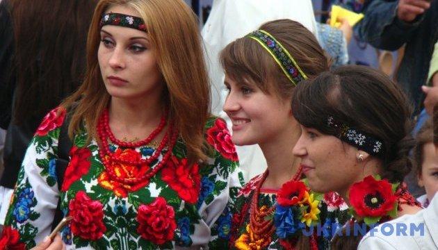 У Луцьку презентують етноодяг за мотивами колекцій матері й сестри Лесі Українки