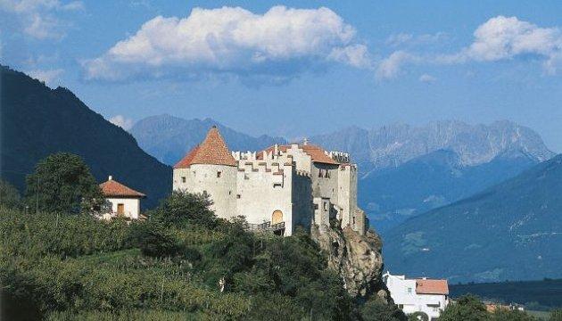 Італія безкоштовно роздає замки