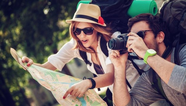 Подорожі світом принесуть туристам 2,5 тис. євро на місяць