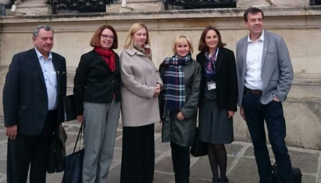 Sushchenko's wife meets with French parliamentarians