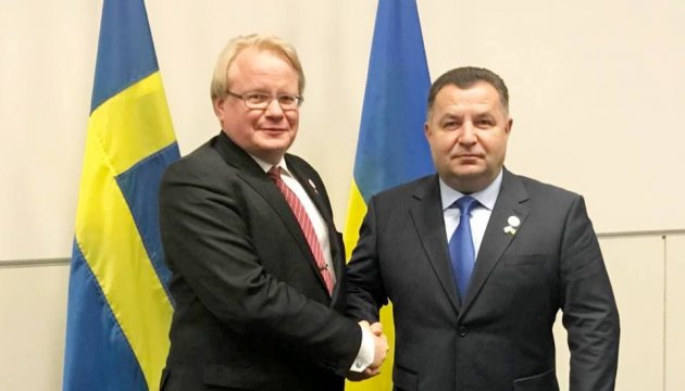 Minister Poltorak: Sweden supports Ukraine's plan for deploying peacekeeping mission in Donbas