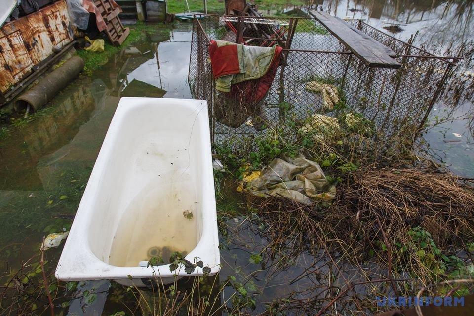 Масштабные подтопления из-за дождей наЗакарпатье: появилось видео своздуха