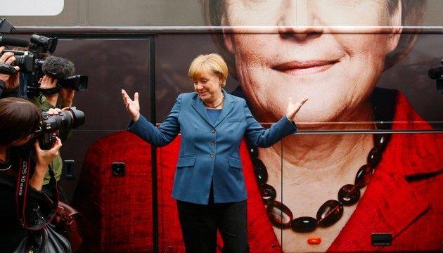Poroshenko congratulates Merkel on her re-election