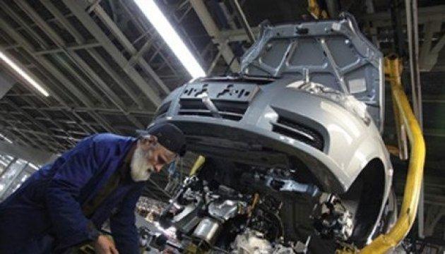 Ucrania casi duplica la producción de vehículos en febrero