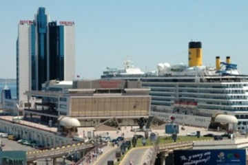 La francesa CMA CGM invierte en el puerto de Odesa  €20 millones