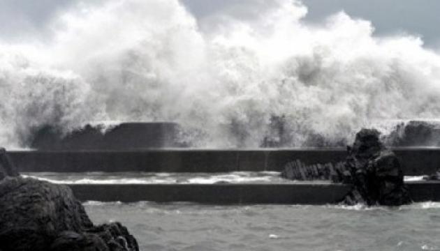 На Восточный Китай обрушился уже 18-й тайфун за год: есть погибшие
