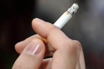 ウクライナの喫煙者数減少:保健省