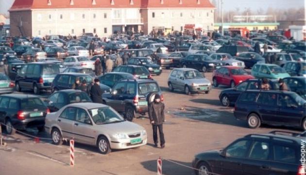 У лютому продажі нових комерційних авто зросли на 27% - експерти