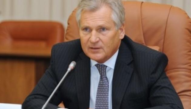 Ex-Präsident Polens verbindet Verschärfung der Situation im Asowschen Meer mit Wahlen in Ukraine