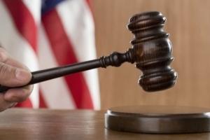 Суд над Стоуном: против соратника Трампа подтверждены серьезные обвинения