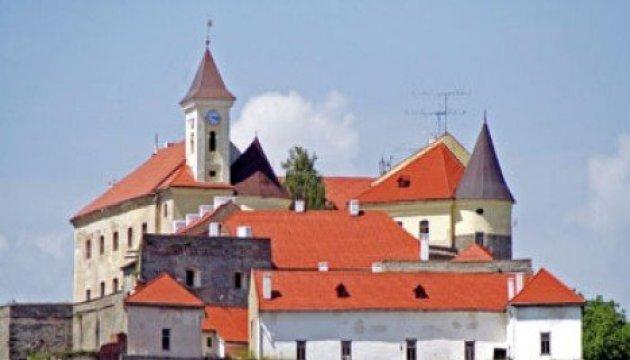 Le fameux chateau de Moukatchiv attire de plus en plus de touristes