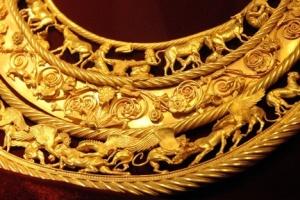 El oro escita permanecerá en los Países Bajos por aplazarse el dictamen de la sentencia final