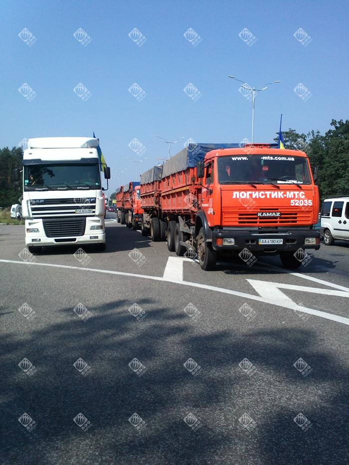Київ відправив до Луганська 240 тонн гуманітарки